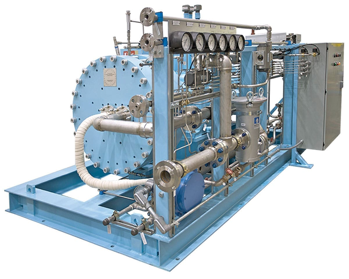 Two-stage high pressure reciprocating diaphragm compressor for helium recovery